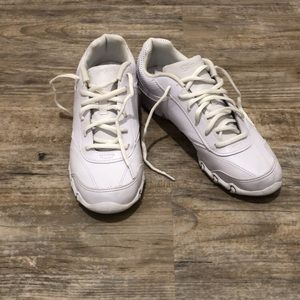 White Cheer Shoes Chearleading sz 8.5 Like New!